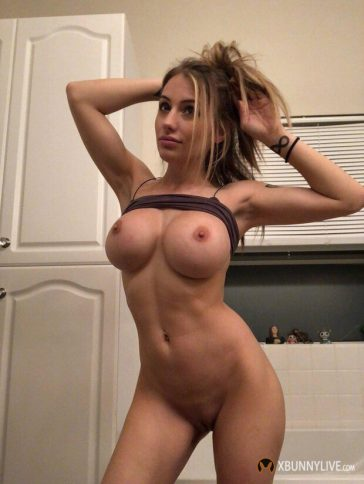 Sexy Shaved Blonde